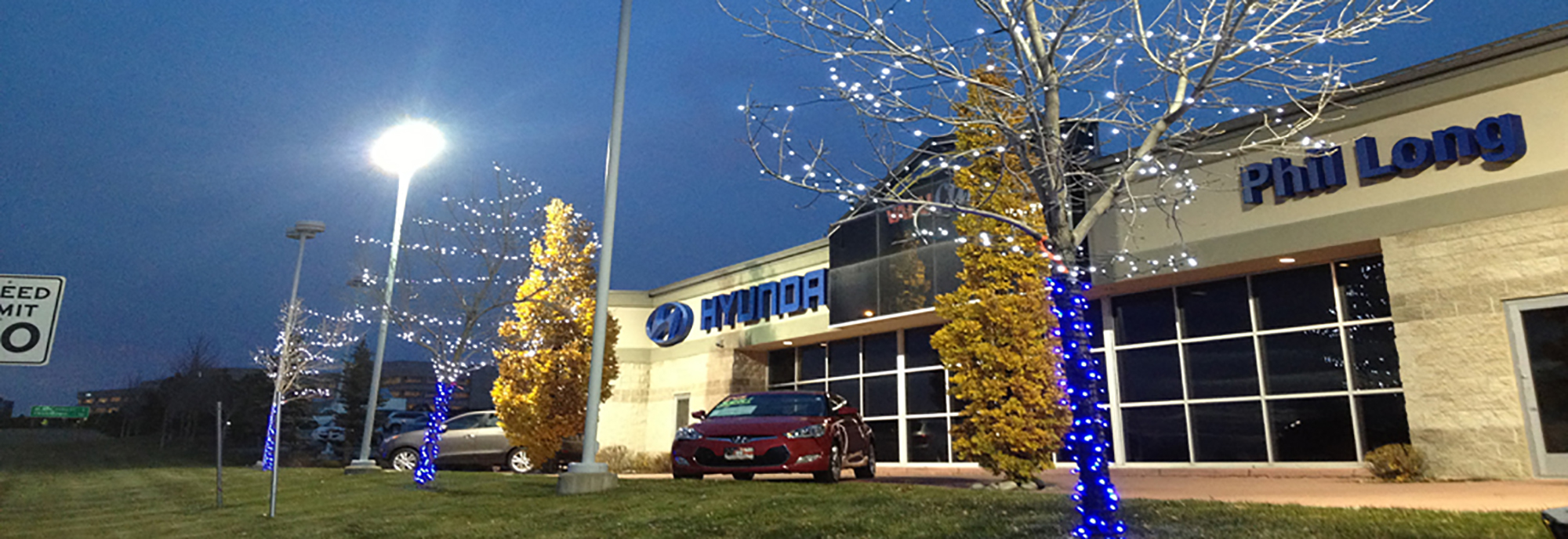 car dealership christmas light installation